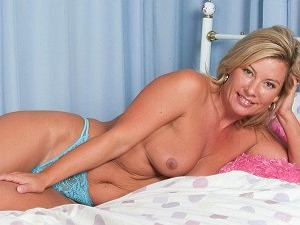 Tracey Coleman gets very blue in her bedroom
