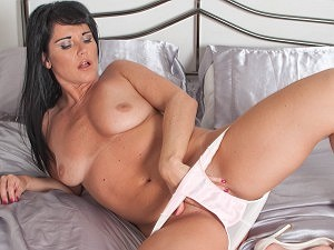 Raven Lee: get inside my wet silky panties